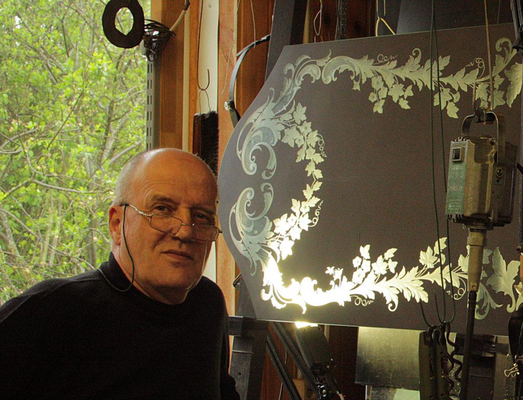 Владимир Маковецкий с зеркалом