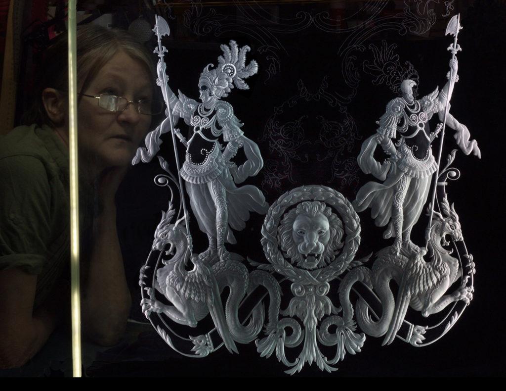 Витраж гравированное стекло, фрагмент с рыцарем