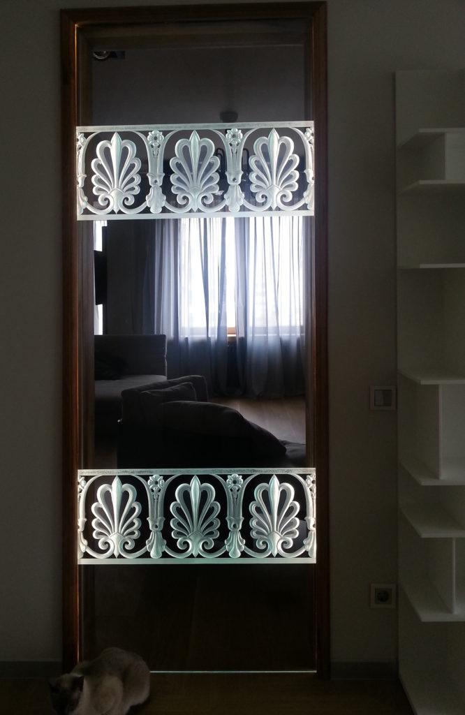 Гравированное стекло