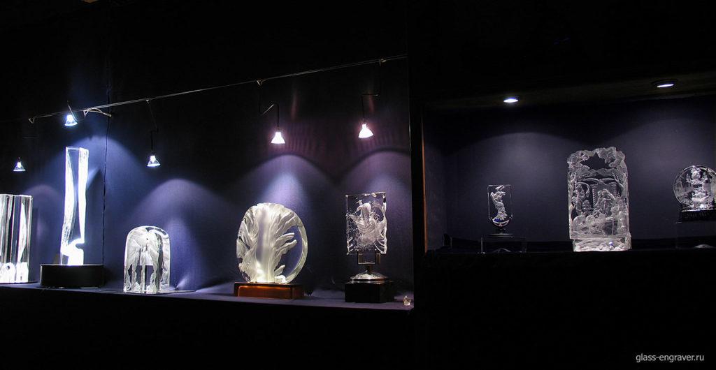 гравировка по стеклу - несколько работ на выставке