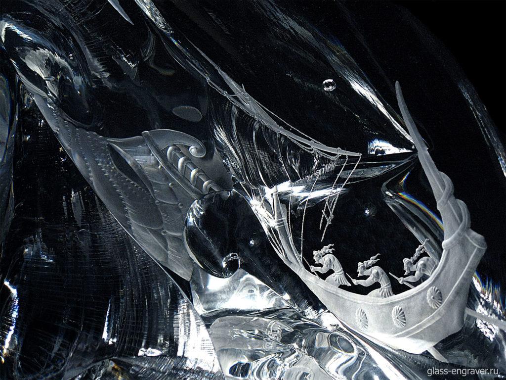 Фрагмент гравированного стекла